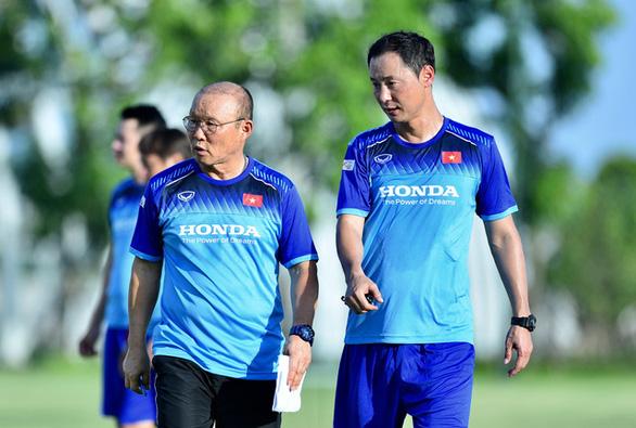 Trợ lý Kim Han Yoon thay ông Park Hang Seo huấn luyện đội tuyển U22 Việt Nam - Ảnh 2.