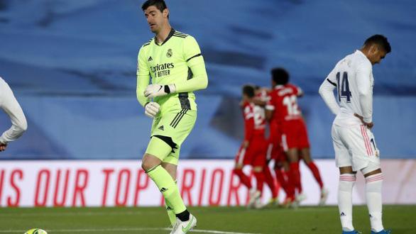 Hòa Sevilla 2-2, Real Madrid mất quyền tự quyết trong cuộc đua vô địch - Ảnh 1.