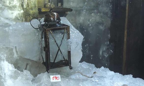 Nhờ băng tuyết tan, hé lộ sự thật lịch sử trên đỉnh núi - Ảnh 3.