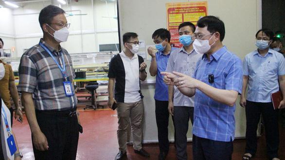 Bắc Giang giãn cách xã hội 3 huyện liên quan ổ dịch Công ty Shin Young - Ảnh 1.