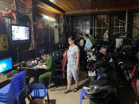 Hà Nội phạt 30 triệu 2 quán game mở cửa mùa dịch - Ảnh 1.