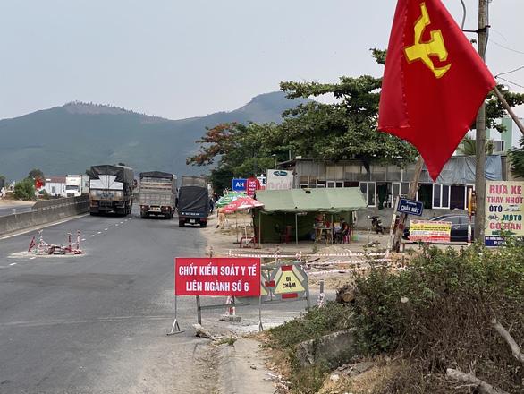 Chủ tịch UBND Thừa Thiên Huế: Không ngăn sông cấm chợ - Ảnh 1.