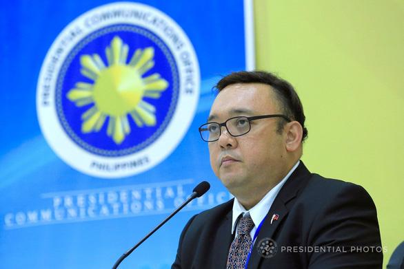 Nóng: Phát ngôn viên của Phủ Tổng thống Philippines nói không sở hữu đá Ba Đầu - Ảnh 1.