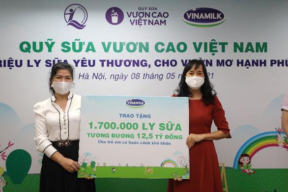1,7 triệu hộp sữa đến với trẻ em khó khăn giữa dịch COVID-19 - Ảnh 1.