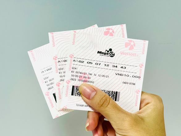 Mega 6/45: Jackpot gần chạm 65 tỉ, người chơi và điểm bán cùng háo hức - Ảnh 2.