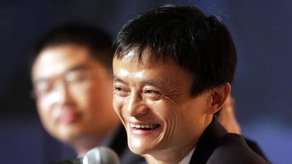 Rời thương trường, tỉ phú Jack Ma vẽ tranh, làm từ thiện - Ảnh 1.