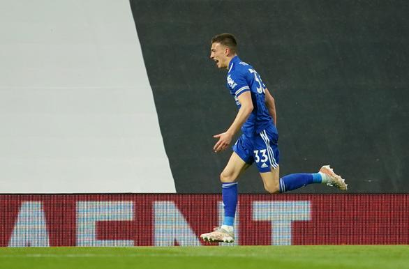 Man City vô địch Premier League sau khi Man Utd bại trận trước Leicester - Ảnh 1.