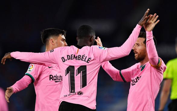 Đánh rơi chiến thắng, Barca cạn hi vọng vô địch - Ảnh 3.