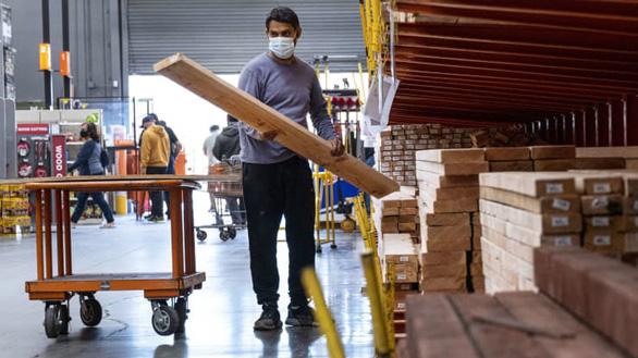 Thiếu lao động và nguyên liệu cản trở phục hồi kinh tế Mỹ - Ảnh 1.