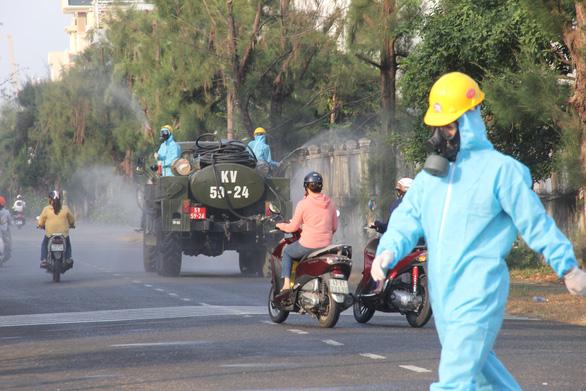 Xét nghiệm 8.000 người, diệt khuẩn toàn bộ Khu công nghiệp An Đồn, Đà Nẵng - Ảnh 1.