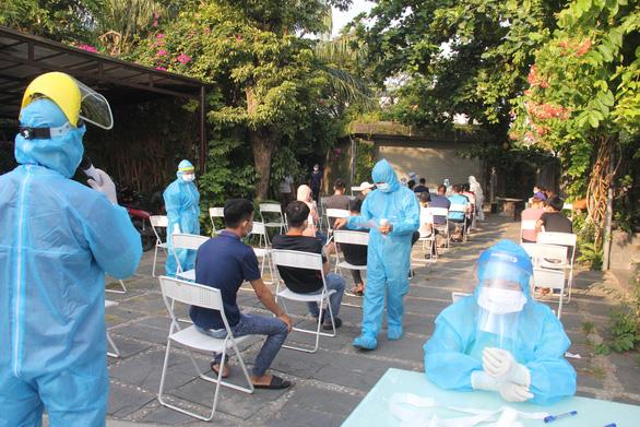 Xét nghiệm 8.000 người, diệt khuẩn toàn bộ Khu công nghiệp An Đồn, Đà Nẵng - Ảnh 3.