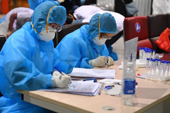 Bộ trưởng Bộ Y tế viết tâm thư gửi nhân viên y tế toàn ngành giữa dịch COVID-19 - Ảnh 2.