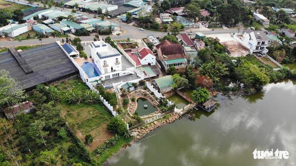 Tháo dỡ biệt thự khủng xây không phép, kiểm điểm Văn phòng đăng ký đất đai Bảo Lộc - Ảnh 2.