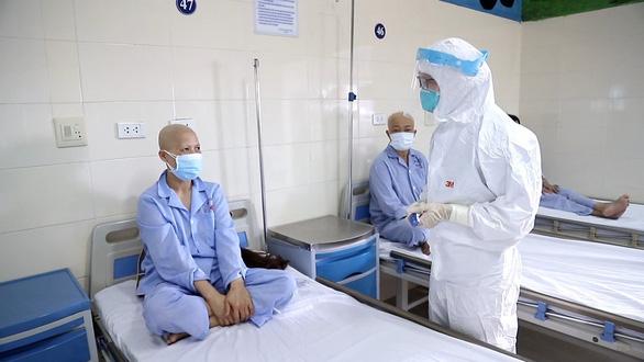 Thêm 4 ca COVID-19 ở Hà Nội: 3 ca lây nhiễm trong bệnh viện - Ảnh 1.