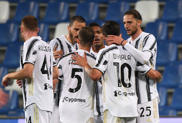 Ronaldo ghi bàn thứ 100 cho Juventus - Ảnh 1.