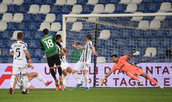 Ronaldo ghi bàn thứ 100 cho Juventus - Ảnh 3.