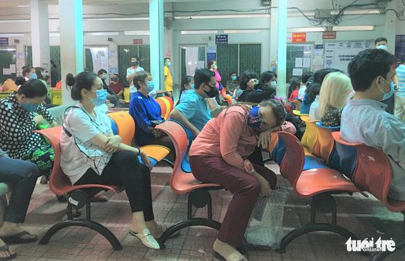 Nắng nóng, dịch COVID-19: Bệnh viện Tâm thần TP.HCM tăng cả ngàn người khám - Ảnh 2.