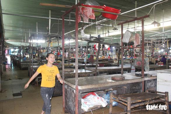 Chợ Hà Tĩnh vắng bóng thịt bò - Ảnh 3.