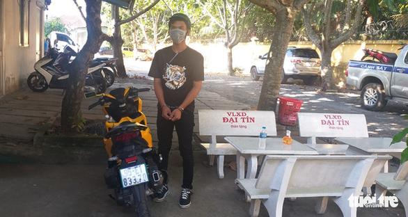 Nam thanh niên trộm xe máy bị bắt sau hơn 5km truy đuổi trên đường tẩu thoát - Ảnh 1.