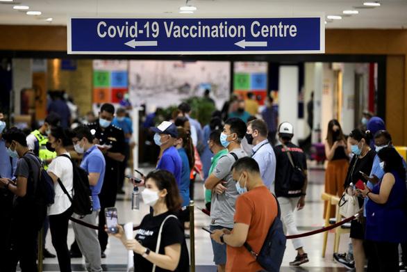 Nhật, Malaysia, Thái Lan... bật đèn xanh cho tư nhân phân phối vắc xin COVID-19 - Ảnh 2.