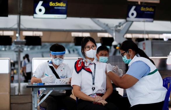 Nhật, Malaysia, Thái Lan... bật đèn xanh cho tư nhân phân phối vắc xin COVID-19 - Ảnh 1.