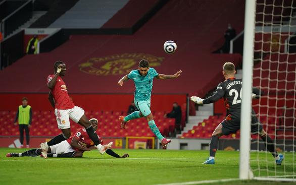 Ngược dòng trước Man Utd tại Old Trafford, Liverpool tiến sát top 4 - Ảnh 3.