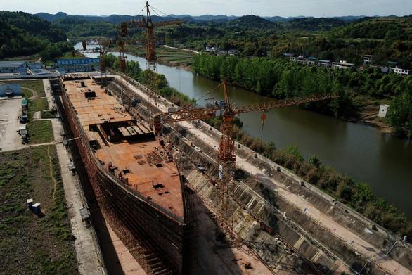 Trung Quốc dựng bản sao tàu Titanic làm điểm du lịch - Ảnh 1.