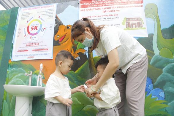 Trẻ mầm non TP Cần Thơ đi học lại từ ngày 17-5 - Ảnh 1.