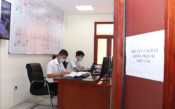 Công nhân Điện lực miền Bắc trong tâm dịch COVID-19 - Ảnh 2.