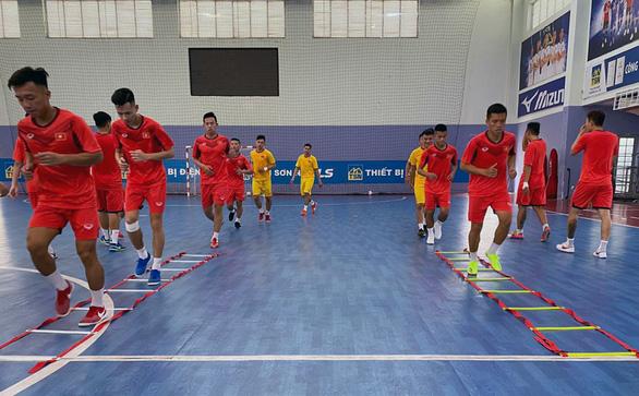 Tuyển futsal Việt Nam lên đường sang UAE chinh phục vé dự World Cup 2021 - Ảnh 2.