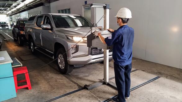 Chỉ kiểm soát khí thải tiêu chuẩn Euro 5 với xe sản xuất mới - Ảnh 1.