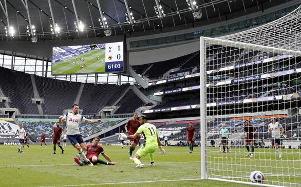 Kane giúp Tottenham níu kéo hi vọng dự Champions League - Ảnh 2.