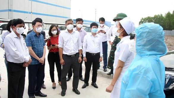 Chủ tịch Bắc Giang: Tỉnh thiếu kinh nghiệm chống dịch ở KCN, xin lập bệnh viện dã chiến - Ảnh 1.
