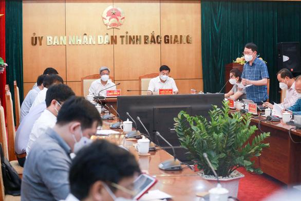 Chủ tịch Bắc Giang: Tỉnh thiếu kinh nghiệm chống dịch ở KCN, xin lập bệnh viện dã chiến - Ảnh 2.