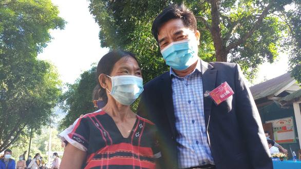 Gần 5.000 cử tri vùng biên giới Quảng Nam hoàn thành bầu cử sớm - Ảnh 1.