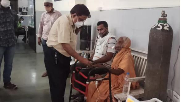 Bệnh nhân COVID-19 ở Ấn Độ đột ngột tỉnh dậy vài phút trước khi hỏa táng - Ảnh 1.