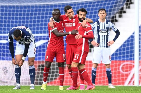 Alisson ghi bàn phút 90+5, Liverpool sống lại hi vọng dự Champions League - Ảnh 2.