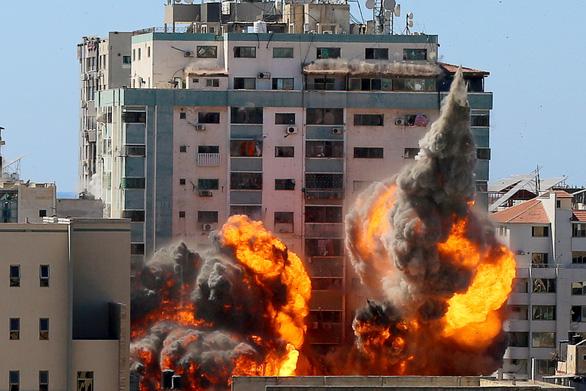 AP kêu gọi điều tra vụ đánh bom văn phòng báo đài ở Gaza - Ảnh 1.