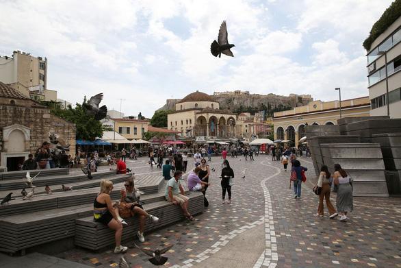 Hi Lạp chính thức mở lại du lịch, khách quốc tế như được sống lại - Ảnh 2.