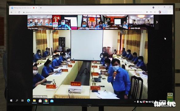 Tổng LĐLĐ Việt Nam dành 1,5 tỉ đồng hỗ trợ công nhân bị ảnh hưởng COVID-19 - Ảnh 2.