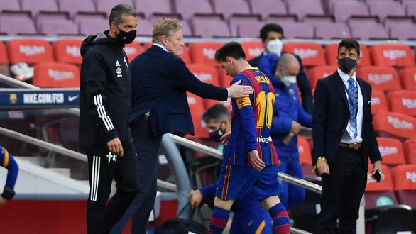 Barca hết cửa vô địch, Real Madrid vẫn bám sát Atletico Madrid - Ảnh 1.