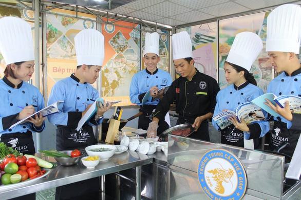 Điều cần biết khi học nghề bếp ở hướng nghiệp Việt Giao - Ảnh 3.