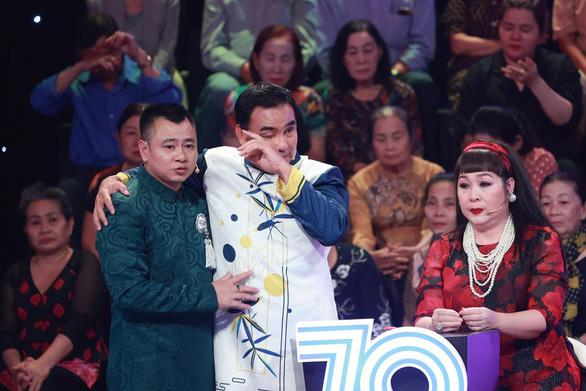 Quyền Linh, Tiến Luật, Khả Như bật khóc vì thương mẹ, nhiều nghệ sĩ lên tiếng tri ân khán giả - Ảnh 7.