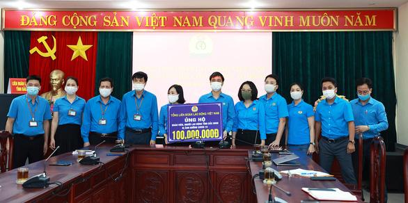 Sẽ hỗ trợ hơn 51.000 công nhân tại Bắc Giang phải nghỉ việc vì COVID-19 - Ảnh 3.