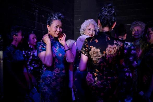 Những quý bà Trung Quốc tung hoành mạng xã hội - Ảnh 1.