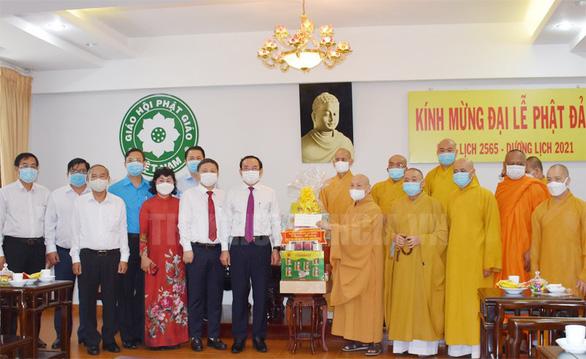 Lãnh đạo TP.HCM thăm cá nhân, đơn vị Phật giáo tiêu biểu - Ảnh 1.