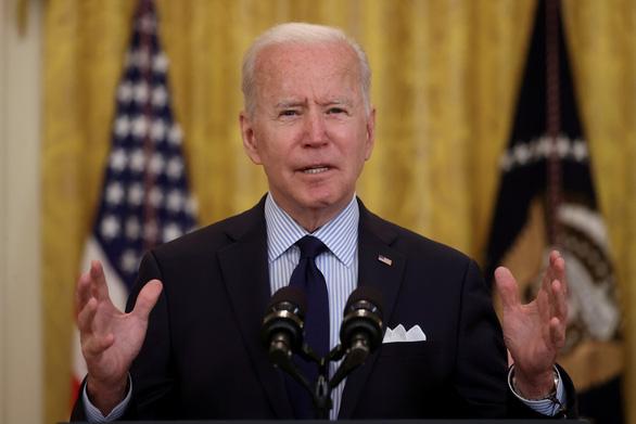 Vợ chồng ông Biden đóng thuế hơn 4 tỉ đồng, nói người giàu nên đóng thuế nhiều hơn - Ảnh 1.
