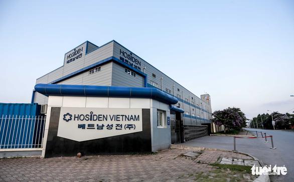Bắc Giang tạm dừng hoạt động 4 khu công nghiệp, phong tỏa toàn huyện Việt Yên - Ảnh 1.