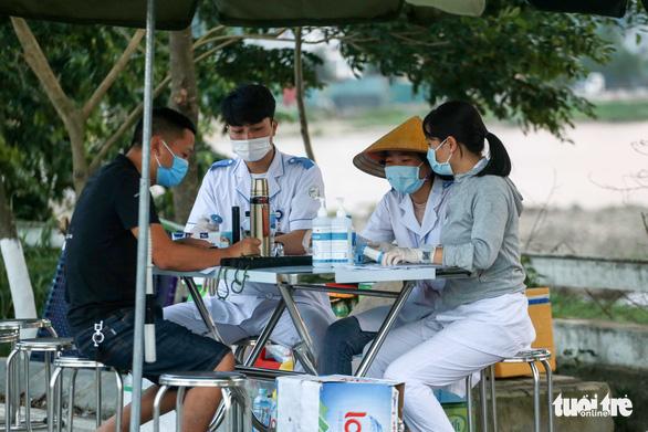 Bắc Ninh khẩn cấp yêu cầu mỗi gia đình 3 ngày đi chợ 1 lần - Ảnh 1.