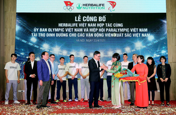 Herbalife Việt Nam tài trợ sản phẩm dinh dưỡng cho các vận động viên Việt Nam xuất sắc - Ảnh 1.